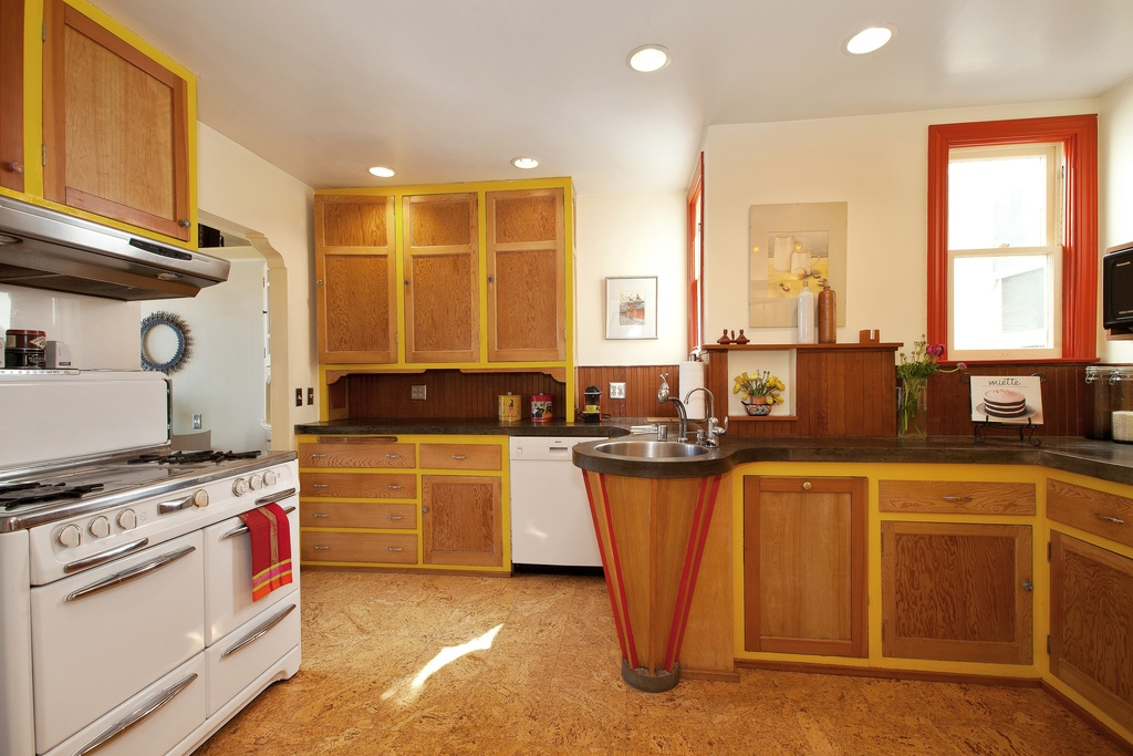 kitchen-with-cork-flooring.jpg